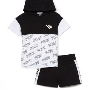 Pony Black White Short Sleeve Hoodie Shorts Outfit